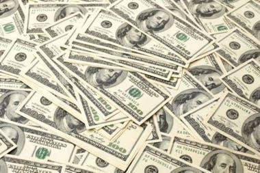 Si se hace el ejercicio ficticio de aplicar el impuesto tal como lo señala el proyecto a los valores actuales, el dólar se acercaría a los 8$2