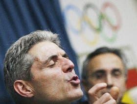 Paulino Cubero, autor de la letra del himno, y Alejandro Blanco, presidente del Comité Olímpico Español