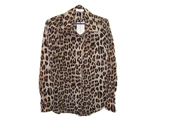 Camisas ($280). Foto: Foto retoque y producción: Ariela Bernater