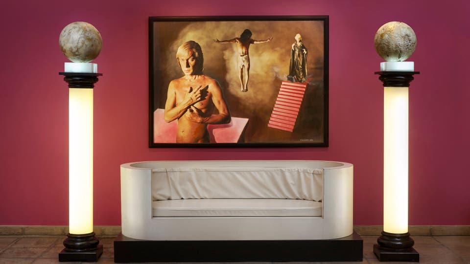 Autorretrato de Federico Klemm con columnas y sillón diseñados por él