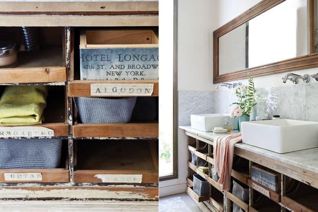 En el mueble inferior, se alternan más cajas con cestas tejidas ($50, Jumbo) y toallas de lino washed ($798 el metro, De Levie).  /Santiago Ciuffo