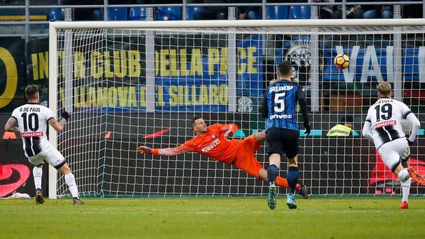 Inter pierde invicto en la Seria A al caer 3-1