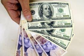 Capitanich relativizó la abrupta suba del dólar informal