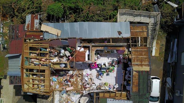 Una casa destrozada en Toa Baja. Foto: AFP / Ricardo Arduengo
