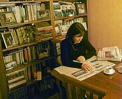 Fue detenida política durante siete años: desde 1974 hasta 1981. Al salir, le costó superar la depresión y retomar el curso de su vida. Después conoció a Alvarez.