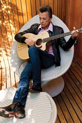 Hablando con mi guitarra. Firmada por los Memphis Boys, la guitarra fetiche de Palito