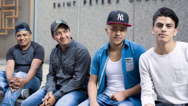 Yovani (18 años), Norlyn (19), Dolman (16) y Michael (19).