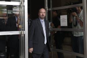 Sabbatella, el jueves, al notificar a Clarín sobre el fallo de la Corte