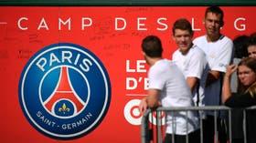 Fanáticos del PSG esperan la llegada de Neymar