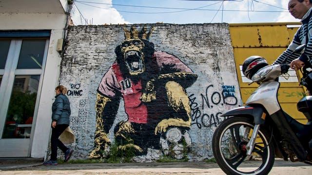 Uno de los murales del barrio Municipal, zona sur de la ciudad, una zona conmocionada por la disputa entre bandas