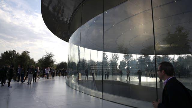 Además del auditorio, el Apple Park reúne a 12 mil empleados de la compa?ía en sus instalaciones