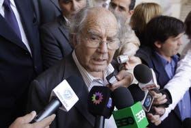 """Pérez Esquivel criticó los cruces entre funcionarios y gobiernos por el temporal y pidió que el Estado asuma responsabilidad ante la """"catástrofe social"""""""