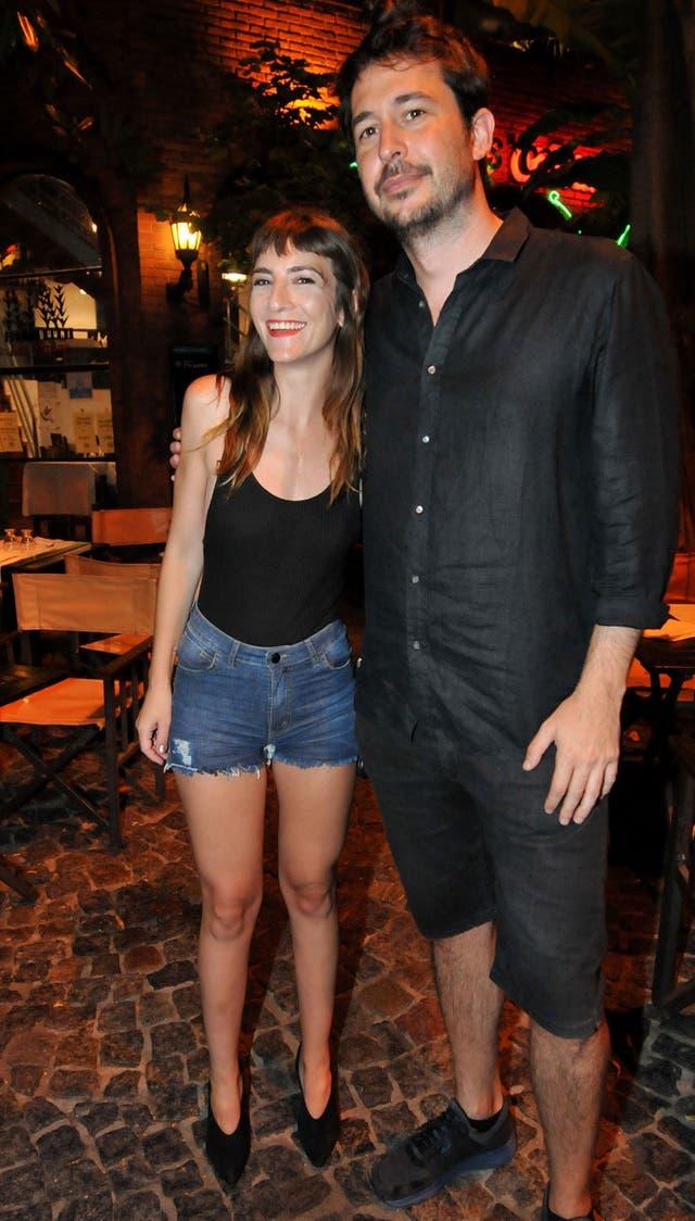 Julieta Zylberberg fue al paseo La Plaza y se encontró con su amigo Santiago Mitre; juntos vieron Entonces la noche