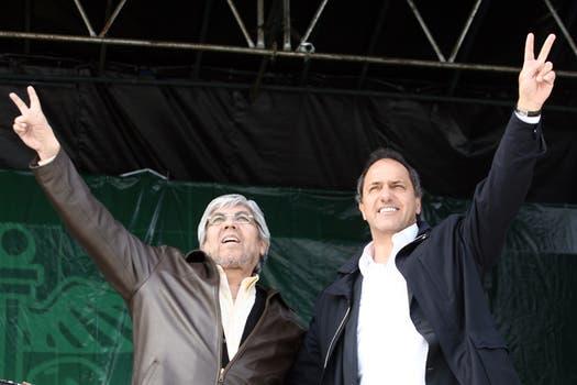 En un acto con el líder del sindicato de Camioneros, Hugo Moyano, enfrentado con el kirchnerismo; julio de 2011. Foto: Archivo