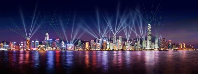 El famoso juego de luces que ilumina los edificios de la bahía se realiza todos los días, a las 20