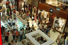 No abren los shoppings ni los supermercados por el Día del Empleado del Comercio