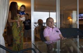 Carlos Menem elogia a Scioli y a Macri, y se queja por el aumento de la delincuencia