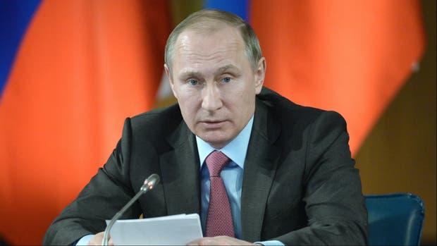 Putin habla en una reunión televisada con sus ministros de Defensa y Relaciones Exteriores
