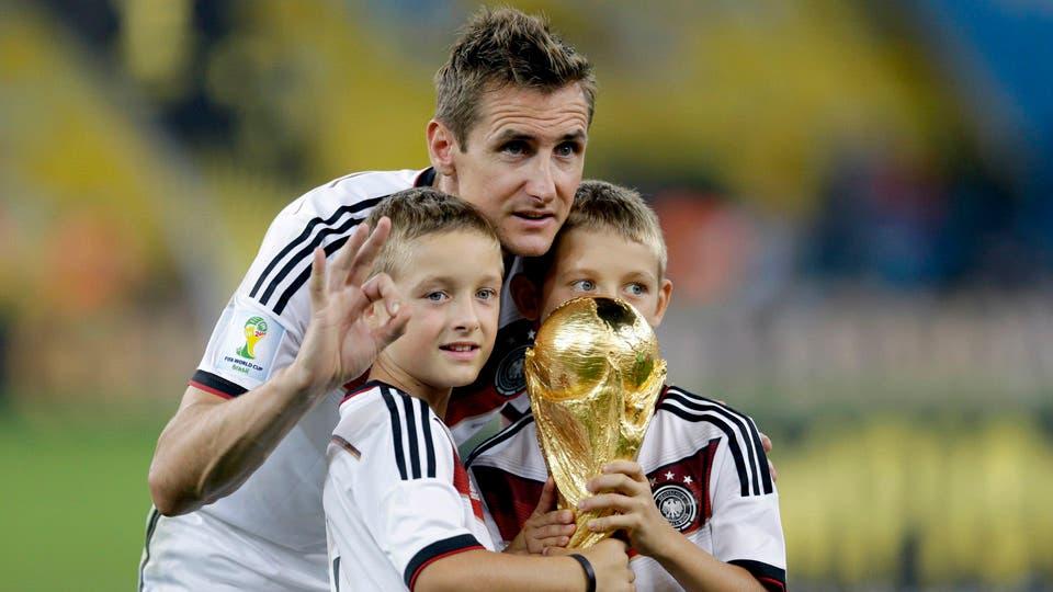 Klose puso fin a su carrera como jugador foto: AP