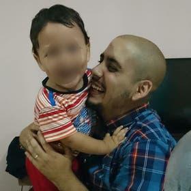 Máximo junto a Martín de 3 años.