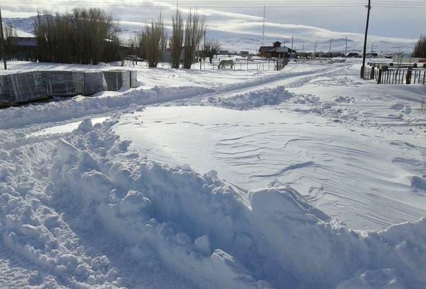 La nieve no da tregua en el centro y el oeste de Chubut