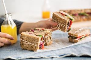 Receta healthy: sandwich de hummus y verduras