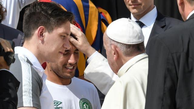 El papa Francisco bendice a los jugadores