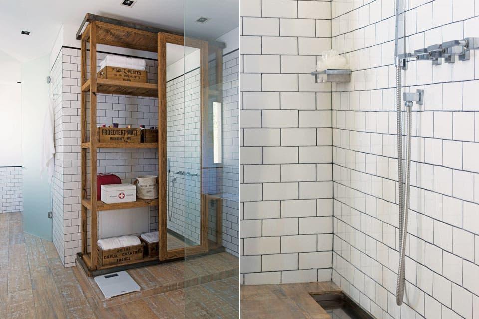 Decoracion Baños Living:Sobre la estantería de madera con riel de hierro y espejo corredizo