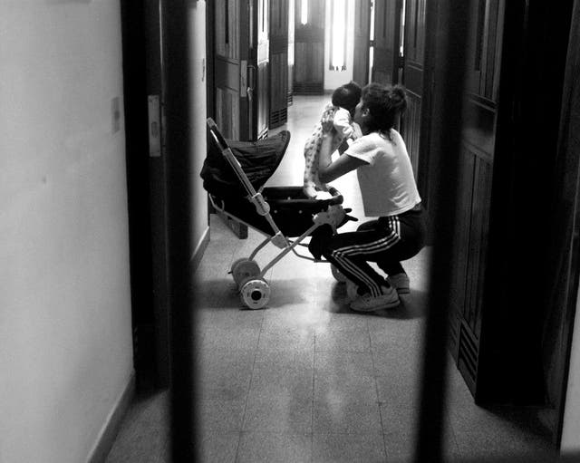 Muchas mujeres encuentran dificultades para alimentar correctamente a sus hijos en prisión