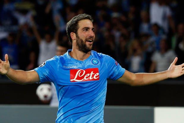 Gonzalo Higuaín no para su carrera de goles en Napoli