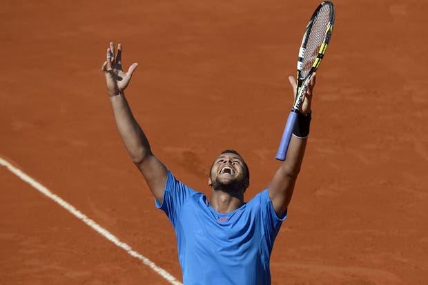 Tsonga se quedó con el primer punto de la serie ante Berlocq.  Foto:AFP