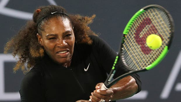 Serena Williams pierde en Abu Dabi en su regreso tras maternidad