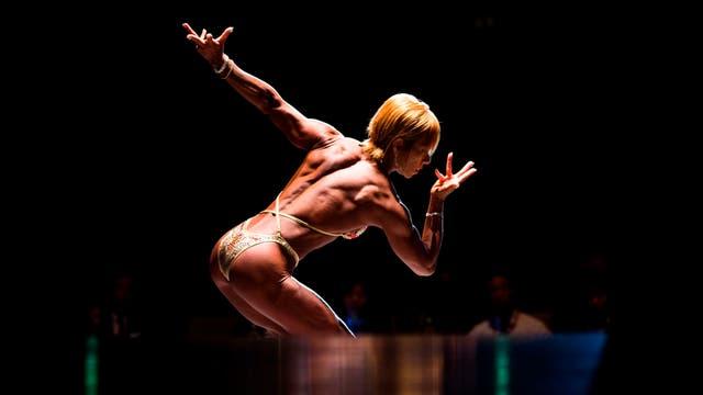 Satoko Yamanouchi posa durante el campeonato de culturismo de Japón, en Tokio