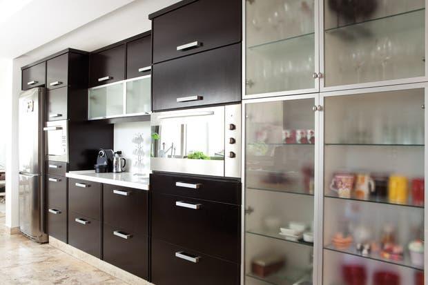 Una cocina minimalista y funcional - Living - ESPACIO LIVING