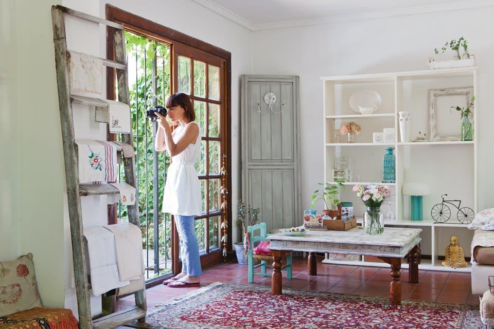 Una casa con estilo vintage moderno living espacio living - Decorar casa estilo vintage ...