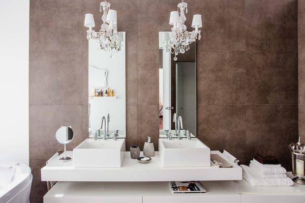 Baño Porcelanato Gris:Tres baños en blanco y gris – Living – ESPACIO LIVING