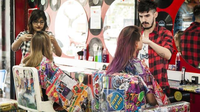 Prana es la peluquería que maneja los cortes en seco y de tendencia