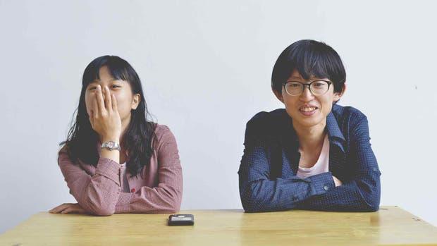 Los novios pueden cobrar de 1000 a 10.000 yuanes por día (de 160 a 1600 dólares), e incluso pueden cobrar extra por actividades románticas, como caricias, besos, tomarse de la mano e ir al cine