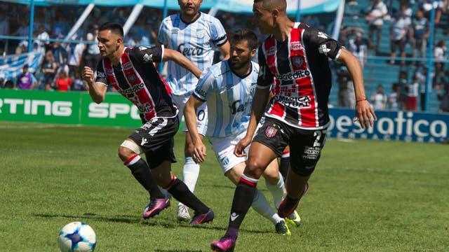 Atlético Tucumán empata 1-1 con Chacarita por la tercera fecha de la Superliga.