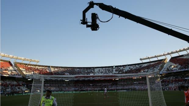 El comienzo del campeonato se demorará una semana por pedido de los organismos de seguridad y de la TV