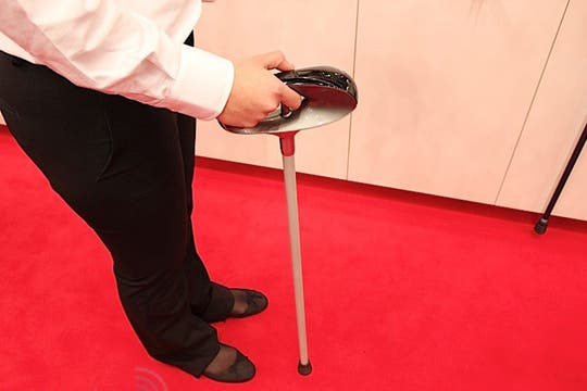 El dispositivo desarrollado por Fujitsu cuenta con conectividad Wi-Fi, 3G y GPS, además de diversos sensores que miden los signos vitales del usuario. Foto: Gentileza Fujitsu