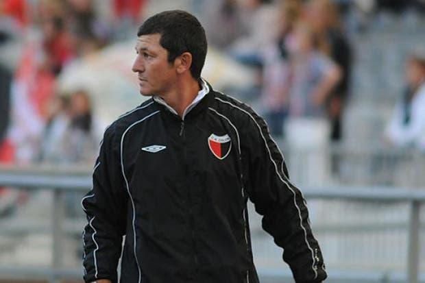 Mario Sciacqua vuelve a ser DT de Colón