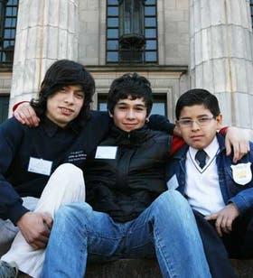 Rodrigo Arévalo, Josué Gago y Santiago Rodríguez, alumnos de las escuelas premiadas