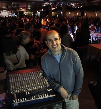 Horacio Godoy, organizado y DJ de La Viruta. Foto: Diego Spivacow
