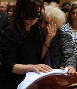 Estela de Carlotto saluda a Cristina al llegar a la Casa Rosada. Foto: Presidencia de La Nación