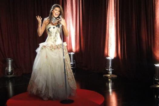 Loly, en la foto de promoción de Cantando por un sueño 2011.. Foto: Ideas del Sur
