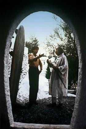 Un joven Vila-Matas visita a Salvador Dalí en Cadaqués, en los años setenta