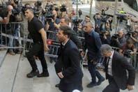 """Con insultos recibieron a Lionel Messi en la puerta del juzgado: """"Devolvé la plata"""" y """"vete a jugar a Panamá, cabrón"""""""