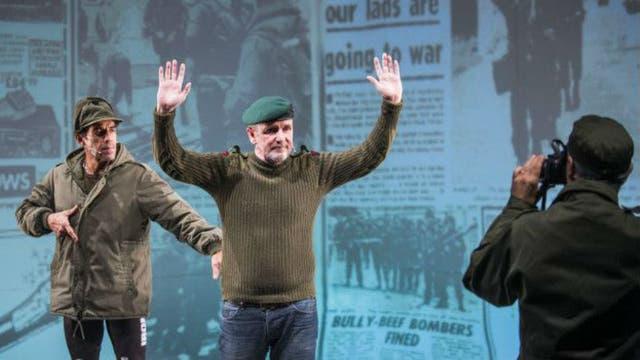 Armour (en la foto) fue prisionero de las tropas argentinas que desembarcaron en las Falklands/Malvinas el 2 de abril de 1982