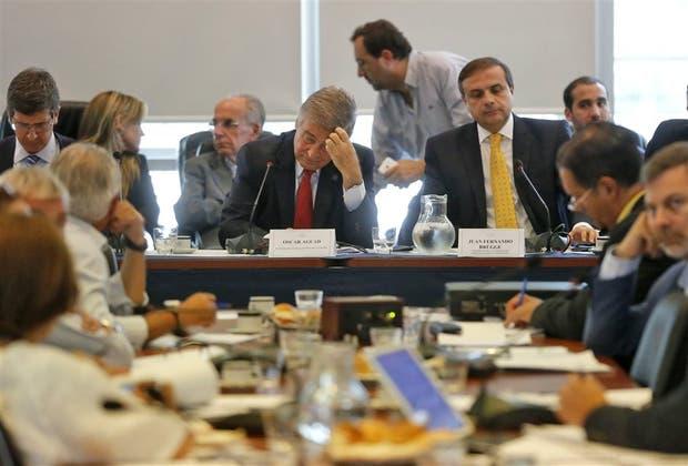 Aguad, ayer, en la Comisión de Comunicaciones, donde defendió el acuerdo con el Correo